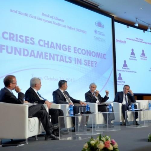"""Në Tiranë u mbajt Konferenca """"A i ndryshojnë krizat themelet ekonomike në vendet e Evropës Juglindore?"""", organizuar nga Banka e Shqipërisë në bashkëpunim me Qendrën e Studimeve të Evropës Juglindore të Universitetit të Oksfordit"""