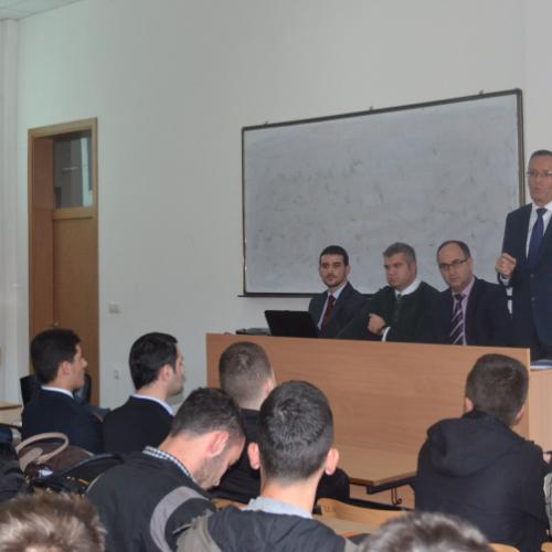 Guvernatori Bedri Hamza mbajti një ligjëratë në Universitetin Publik