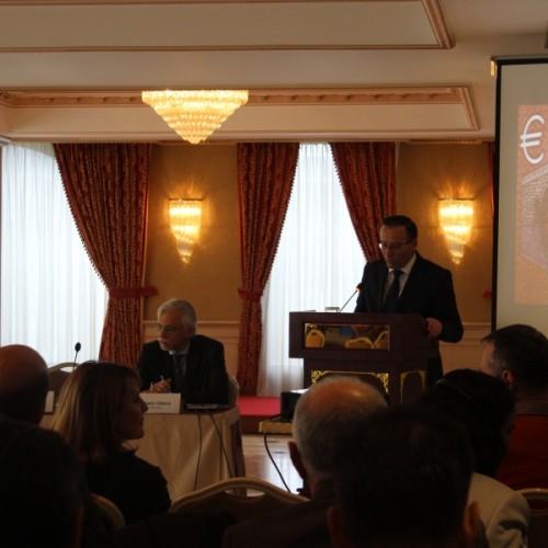 Guvernatori z.Bedri Hamza mbajti fjalim rasti në Konferencën