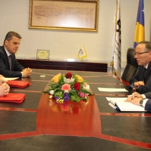 Guvernatori Hamza priti në takim Ministrin e Zhvillimit Ekonomik, Turizmit, Tregtisë dhe Sipërmarrjes të Republikës së Shqipërisë, z. Arben Ahmetaj