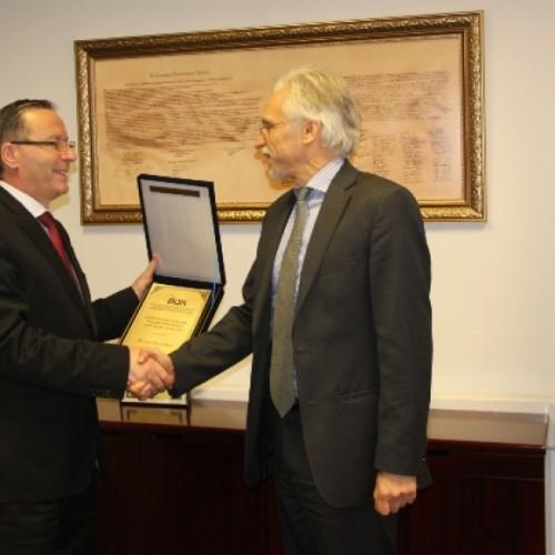 Guvernatori i Bankës Qendrore të Republikës së Kosovës z. Bedri Hamza priti në një takim lamtumirës Përfaqësuesin rezident të  Bankës Botërore në Republikën e Kosovës