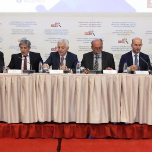 """Përfunduan punimet dyditore të Samitit """" Stabiliteti financiar rajonal në rrethana të ndryshueshme globale """", që u mbajt në Beçiq të Malit të Zi"""