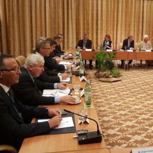 Guvernatori Hamza merr pjesë në konferencën e nivelit të lartë në Dubrovnik