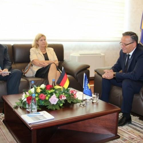 Ambasadorja e Gjermanisë në Kosovë, zj. Angelika Viets vizitoi BQK-në