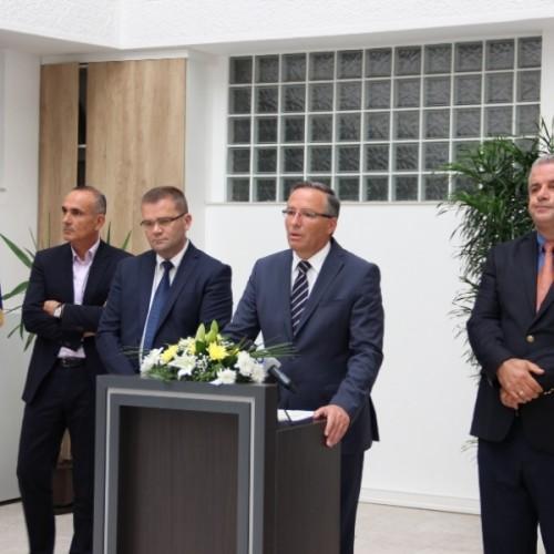 Guvernatori i Bankës Qendrore të Kosovës (BQK), Bedri Hamza, ka dhënë dorëheqje nga pozita  në BQK