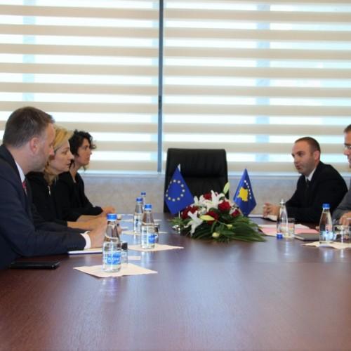 U.D i Guvernatorit z.Fehmi Mehmeti priti në takim Përfaqësuesen e Zyrës së Bashkimit Evropian në Prishtinë znj. Natalya Apostolova