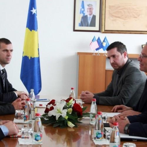 U.D. i Guvernatorit, z. Fehmi Mehmeti dhe Ministri i Financave  z.Bedri Hamza pritën në takim Drejtoreshën e Konstituencës së FMN-së për Kosovën Michaela Erbenova