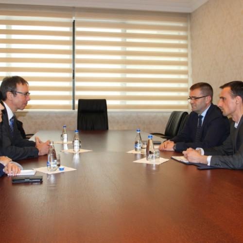 U.d. Guvernatori i BQK-së z.Fehmi Mehmeti priti në takim përfaqësues të Bankës Gjermane për Zhvillim - KfW-së