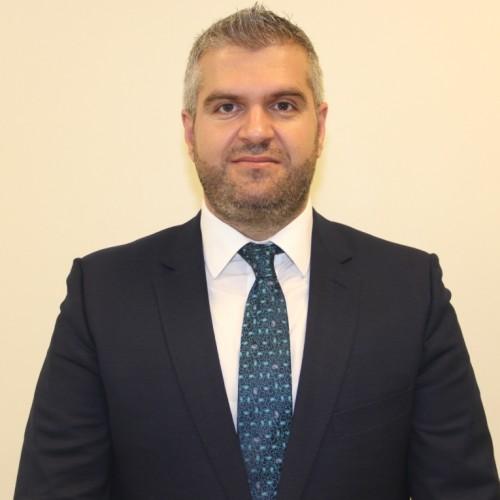 Bordi i Bankës Qendrore të Republikës së Kosovës sot me shumicë votash zgjodhi Prof. Dr. Flamur Mrasori për Kryetar të Bordit të BQK-së