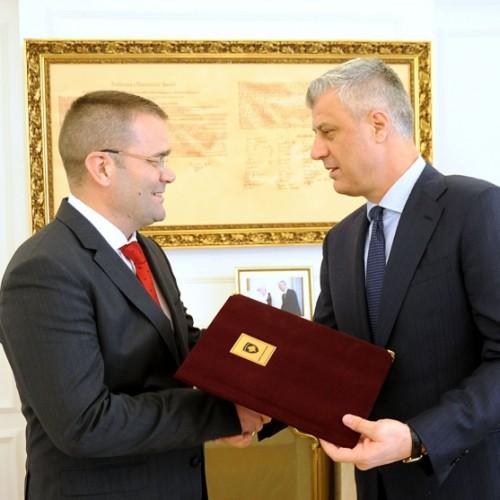 PRESIDENTI I REPUBLIKËS SË KOSOVËS Z.HASHIM THAÇI DEKRETOI EMËRIMIN E FEHMI MEHMETIT NË POZITËN E GUVERNATORIT TË BANKËS QENDRORE TË REPUBLIKËS SË KOSOVËS
