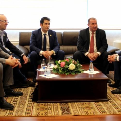Investitorë Amerikanë të gatshëm për të investuar në sektorin bankar në Kosovë