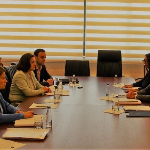 Guvernatori Mehmeti takon grupin punues për ndryshimin e Ligjit për Bankat, Institucionet Mikrofinanciare dhe Institucionet Financiare Jobankare