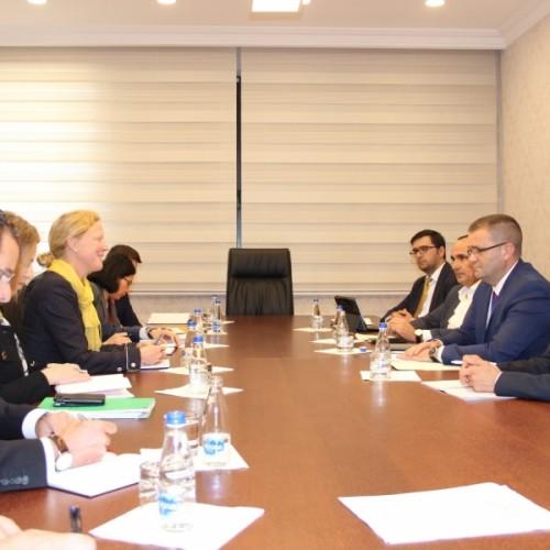 Guvernatori Mehmeti takoi ekipin e misionit të FMN-së për Kosovën