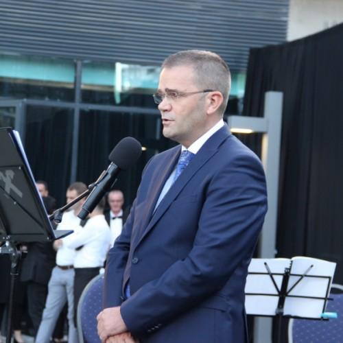 Guvernatori Mehmeti mori pjesë në hapjen e zyrës së re qendrore të bankës Raiffeisen