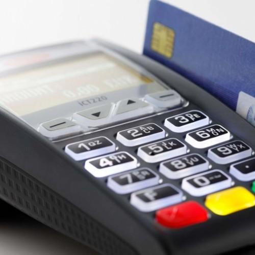 BQK nxjerr Rregullore që  u mundëson klientëve të bankave kryerjen e pagesave përmes  terminaleve POS pa kosto shtesë