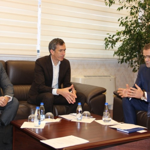 Guvernatori Mehmeti priti në takim përfaqësuesit e Bankës Botërore