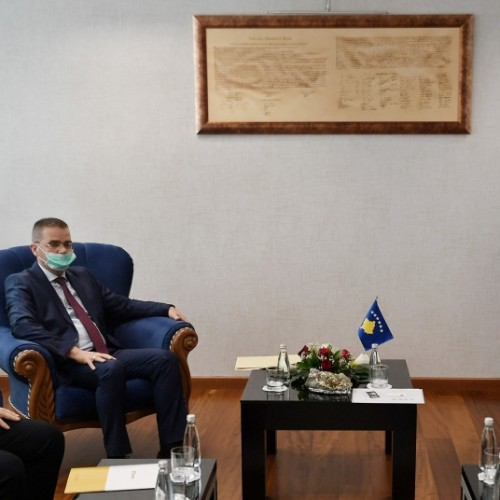 BQK do ta ndihmojë Qeverinë e Kosovës në lehtësimin e procesit të tërheqjes së 10% të kursimeve pensionale nga qytetarët